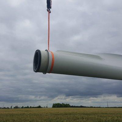 travaux sur une pale d'éolienne