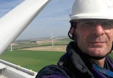 Guillaume Favier , est un ingénieur dans les énergie renouvelable. Cabinet d'audit de parc éolien